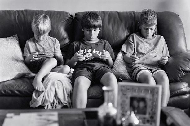 ¿Cómo afectan los teléfonos móviles a las relaciones interpersonales?