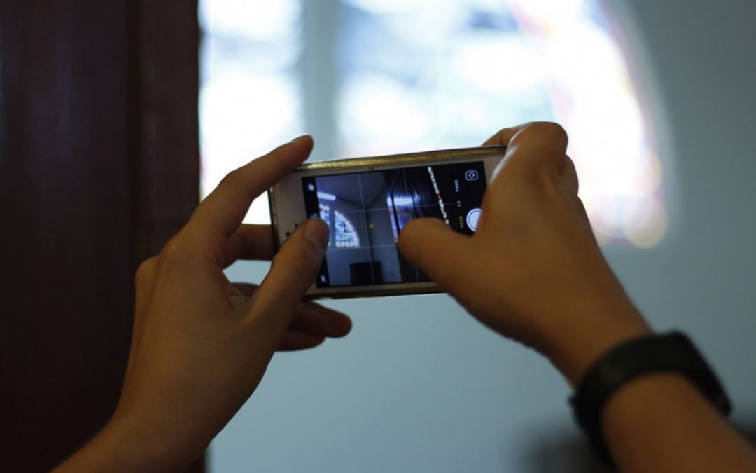Más allá de las selfies: la cámara del celular y el fotoperiodismo.